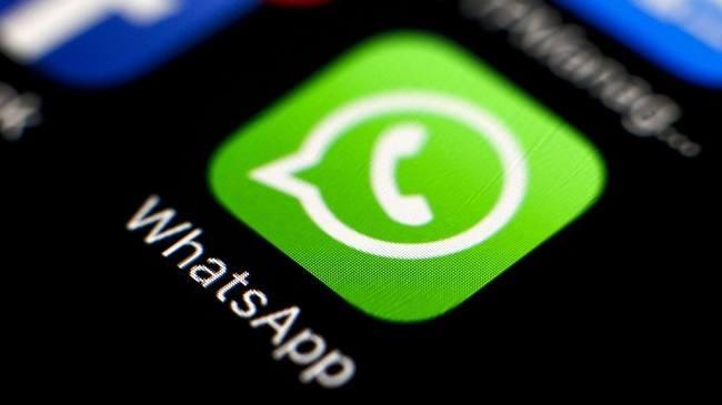 ¿Cómo mandar audios sin mantener pulsado el micrófono en WhatsApp?